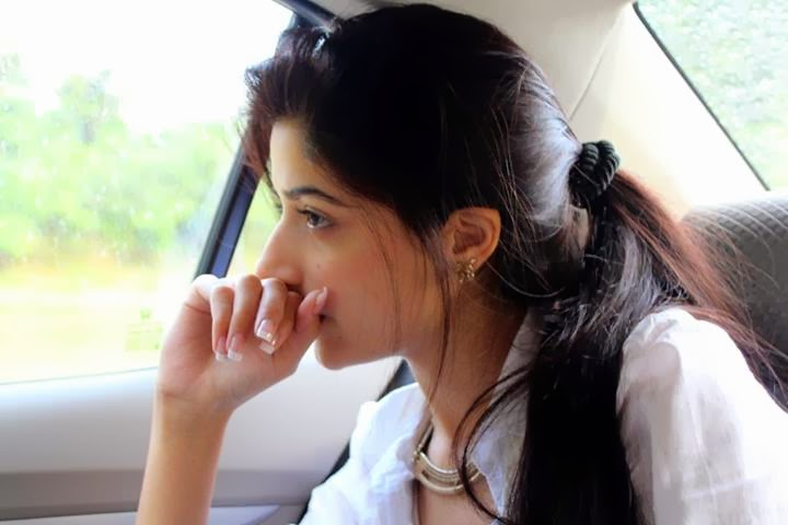Mawra Hocane Cute Pics - iloveuwallpapers - HD Wallpapers Collection