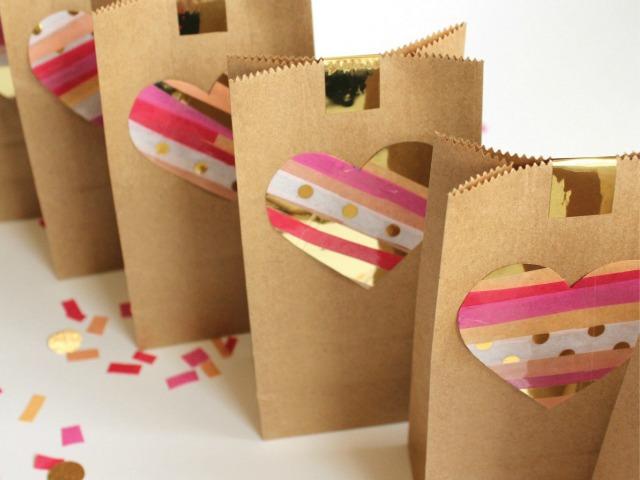 Decoraci n f cil valentines diy con bolsas de papel kraft - Como decorar bolsas de papel ...