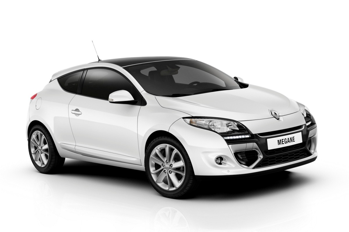 2012 renault megane first photo gallery and details renaul megane 4 garage car. Black Bedroom Furniture Sets. Home Design Ideas