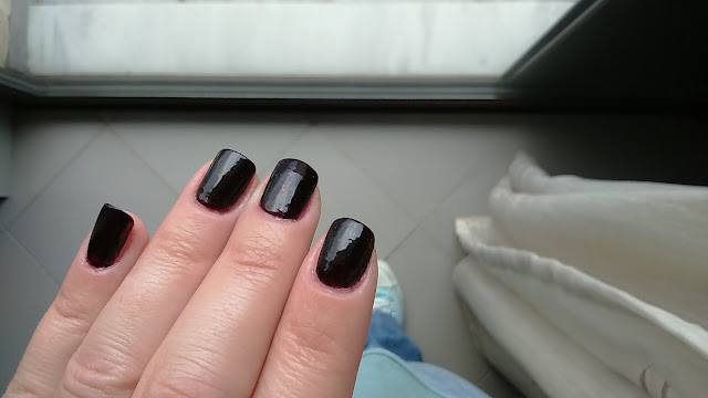 CND Vinylux Weekly Polish in #198 Poison Plum