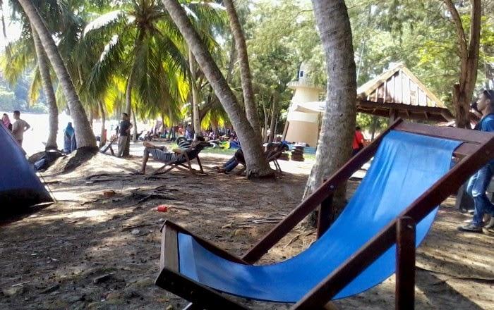 Pantai Teluk Batik
