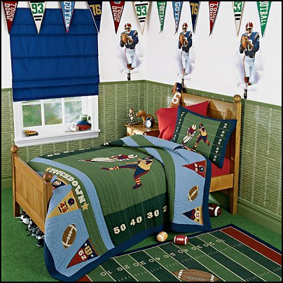Football Locker Room Decoration Ideas http://themerooms.blogspot.com/2011/10/sports-bedroom-decorating-ideas.html