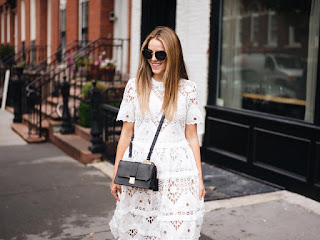 http://www.krisztinawilliams.com/2015/09/what-top-fashion-bloggers-are-wearing.html