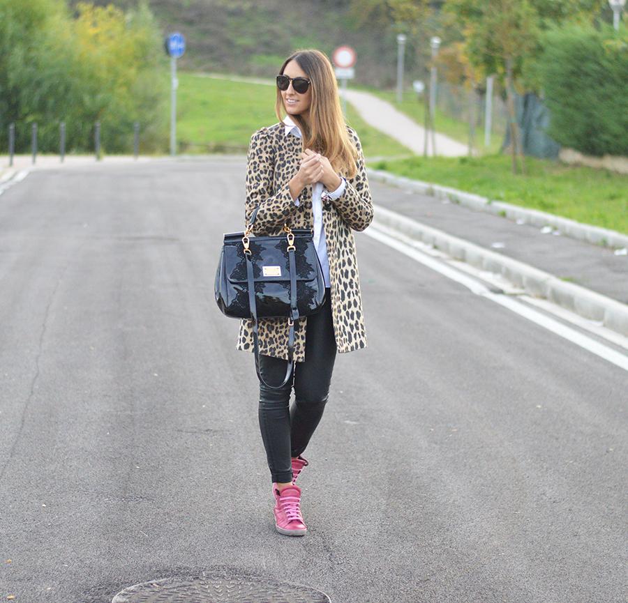 zara coat, zara animalier coat, animalier coat, zara panta, tailor4less shirt, shirt outfit, zara coat outfit, animalier look, animalier outfit, miss sicily bag, miss sicily dolce & gabbana bag, playhat sneakers, scarpe playhat, scarpe da ginnastica playhat, fashion blogger, italian fashion blogger, top italian fashion blogger, look, outfit of the day, look of the day