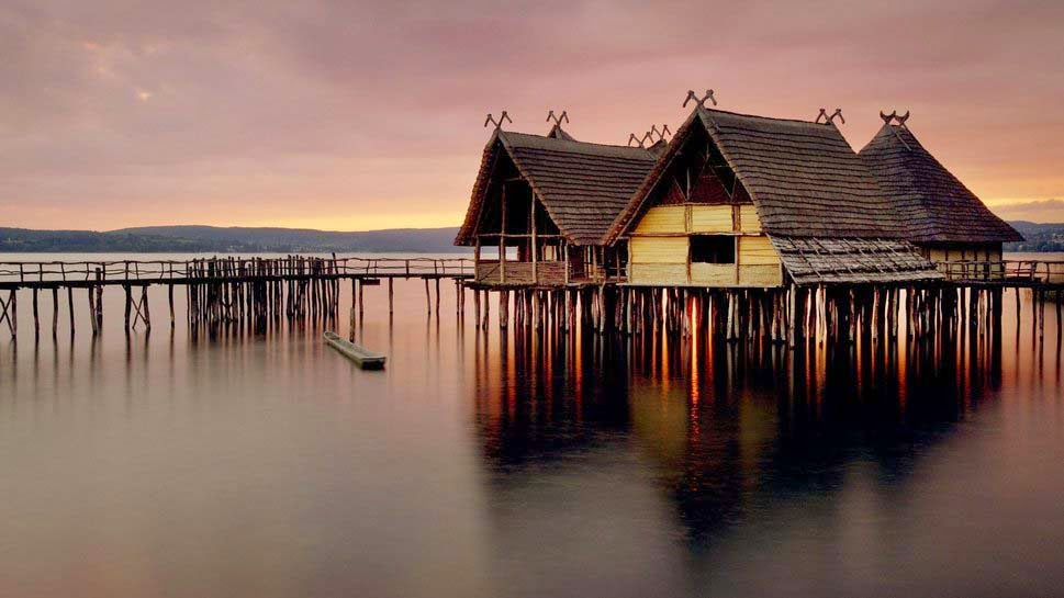 lovely-background-lake-house-desktop-natural-image