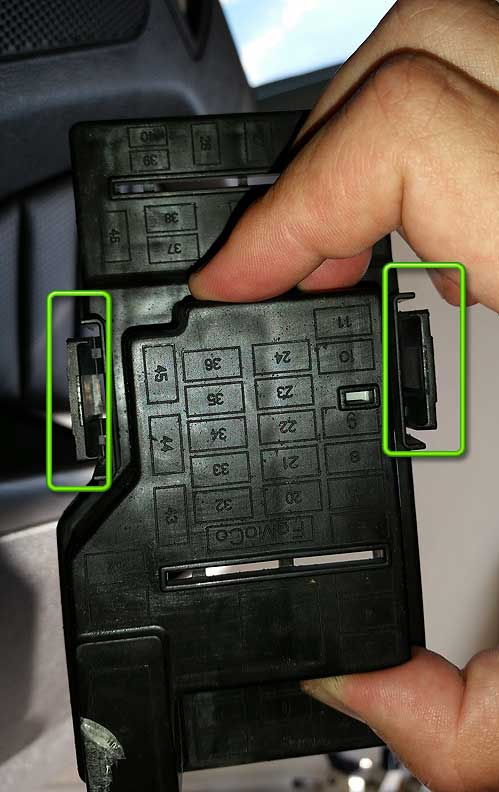 fix ford sync fuse cover k1dblitz ramblings of a gamer how to fix your ford sync fuse box not resetting at n-0.co