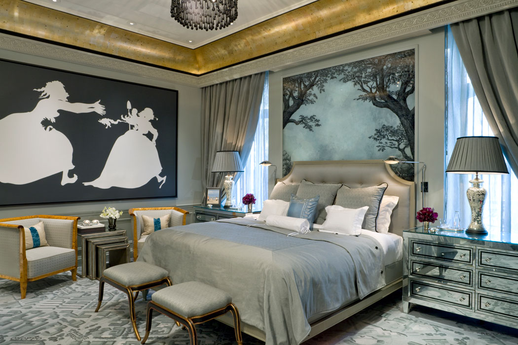Bedrooms that make you want to call in sick the for Dramatic beds