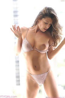 Ordinary Women Nude - sexygirl-isabella7_2-772042.jpg