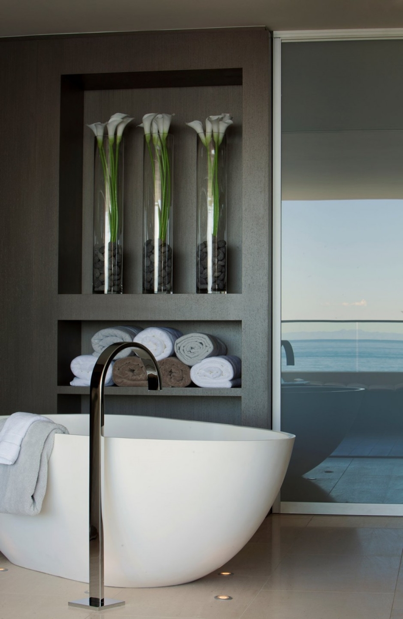 Modern bathtub in Romantic home above the ocean, California