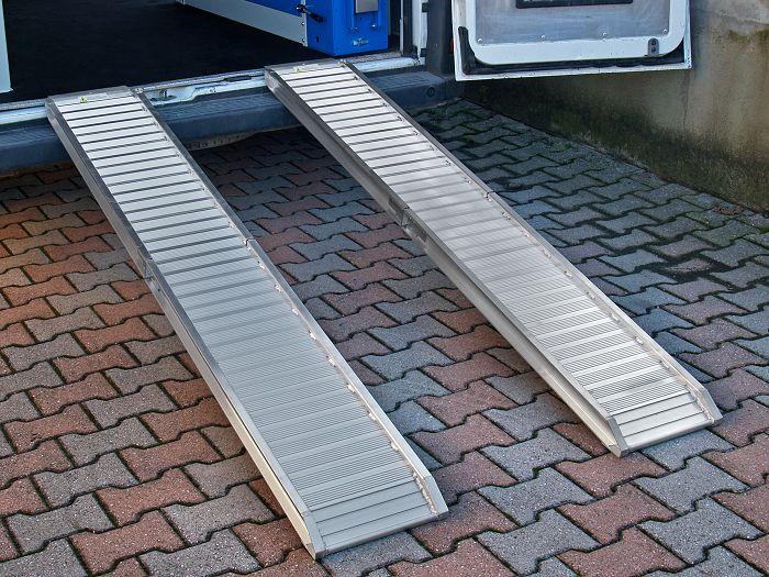 Pedane e rampe di carico per furgoni for Rampe di carico in alluminio