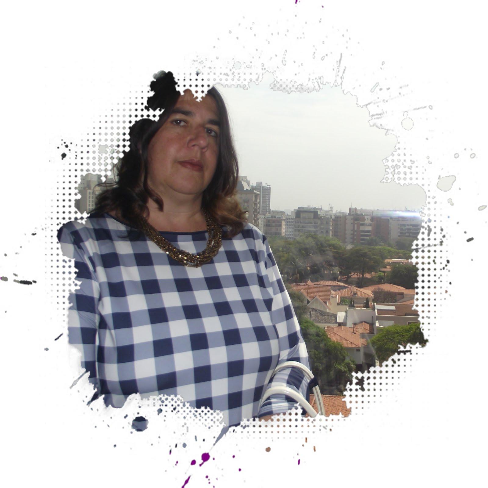 Adriana Lemos