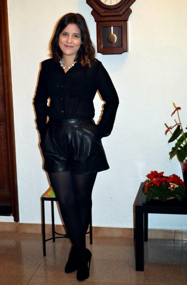 look_nochebuena_navidad_total_black_short_polipiel_lolalolailo_01