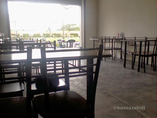 kedai makan, desa aman