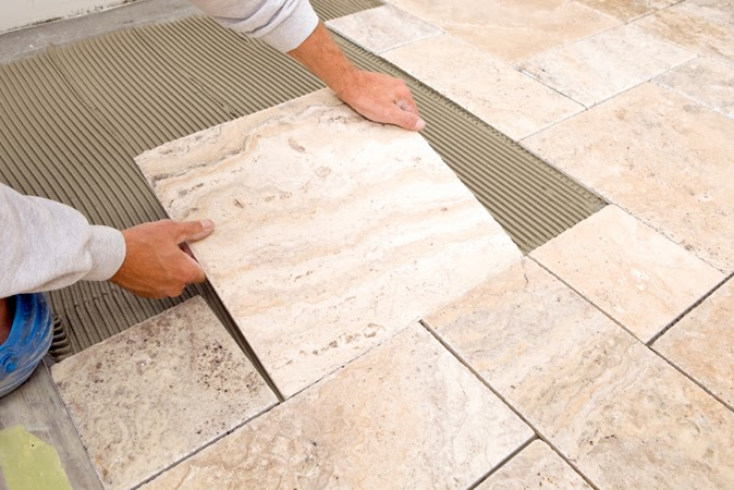 Collante per pavimenti h40: un adesivo per incollare piastrelle su
