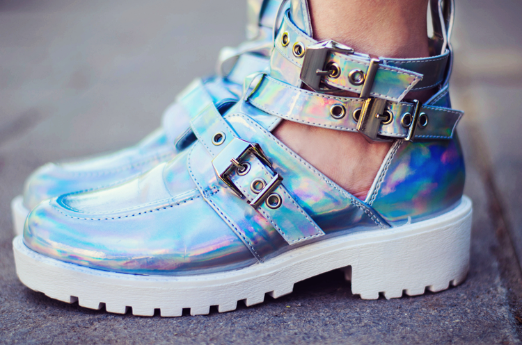 Hologram Cut out Boots