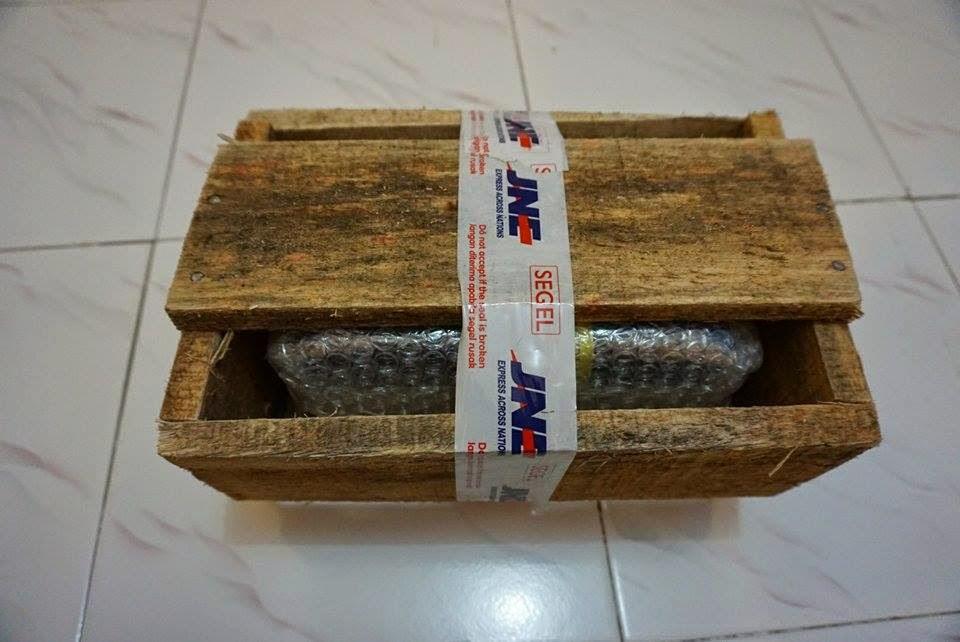 Kemasan kayu yang menjamin keamanan paket