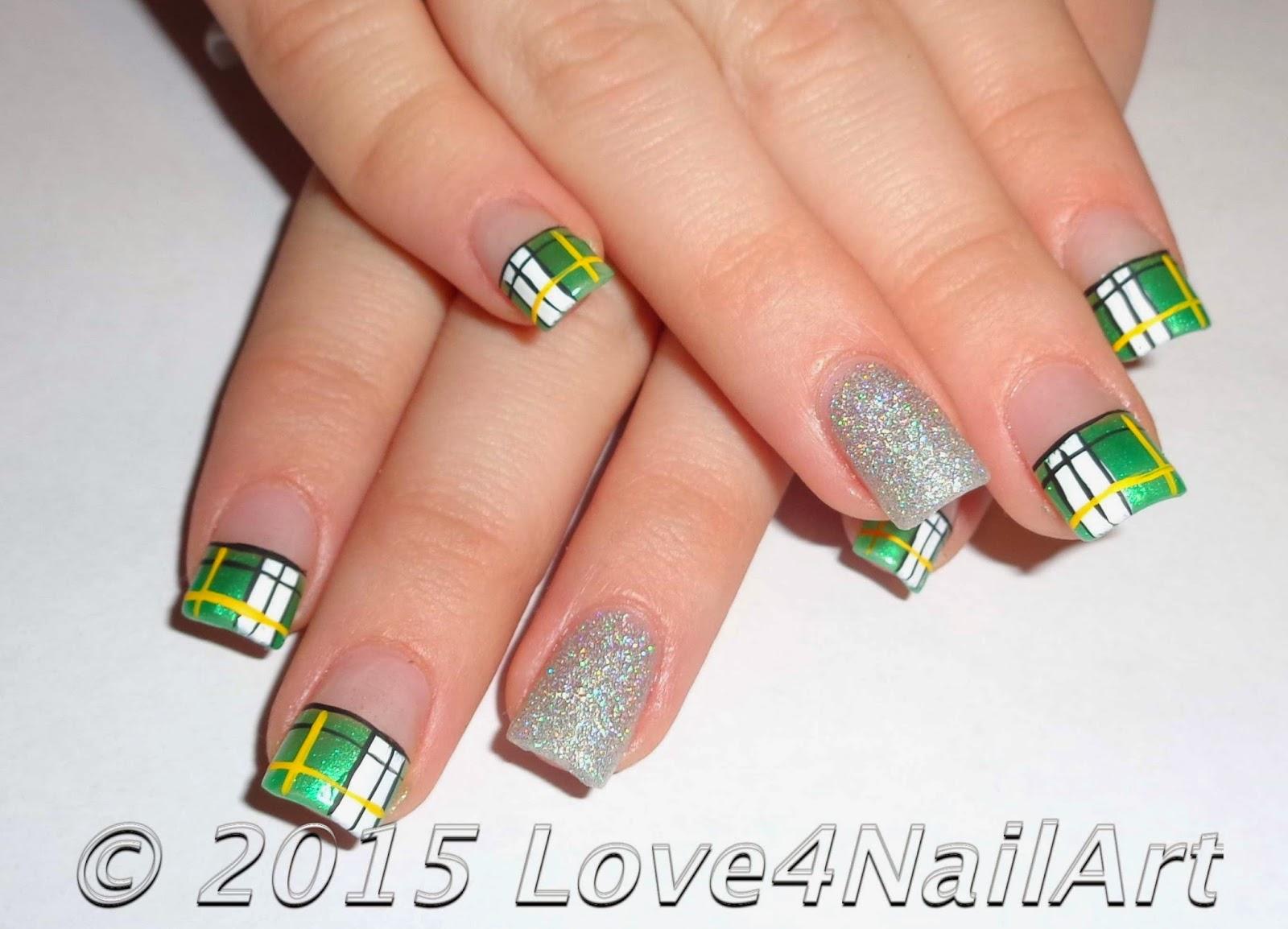 Love4NailArt: Green Bay Packers Nails   Green & Gold Plaid