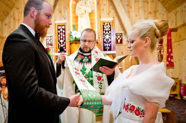 http://kasia-skalska.blogspot.com/2014/07/my-wedding-historia-pewnego_1.html