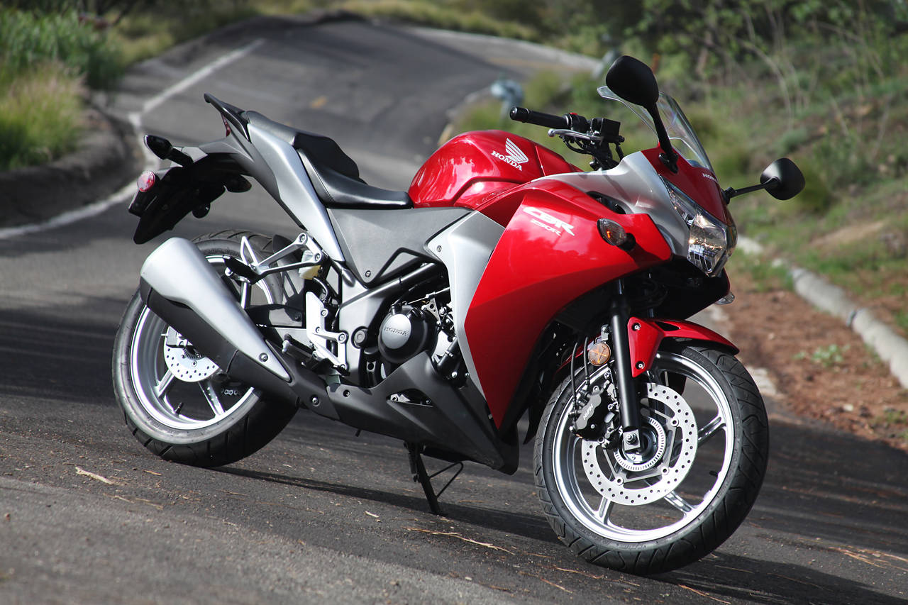 Honda going to launch cbr250r and cbr400r in 2013 full specification