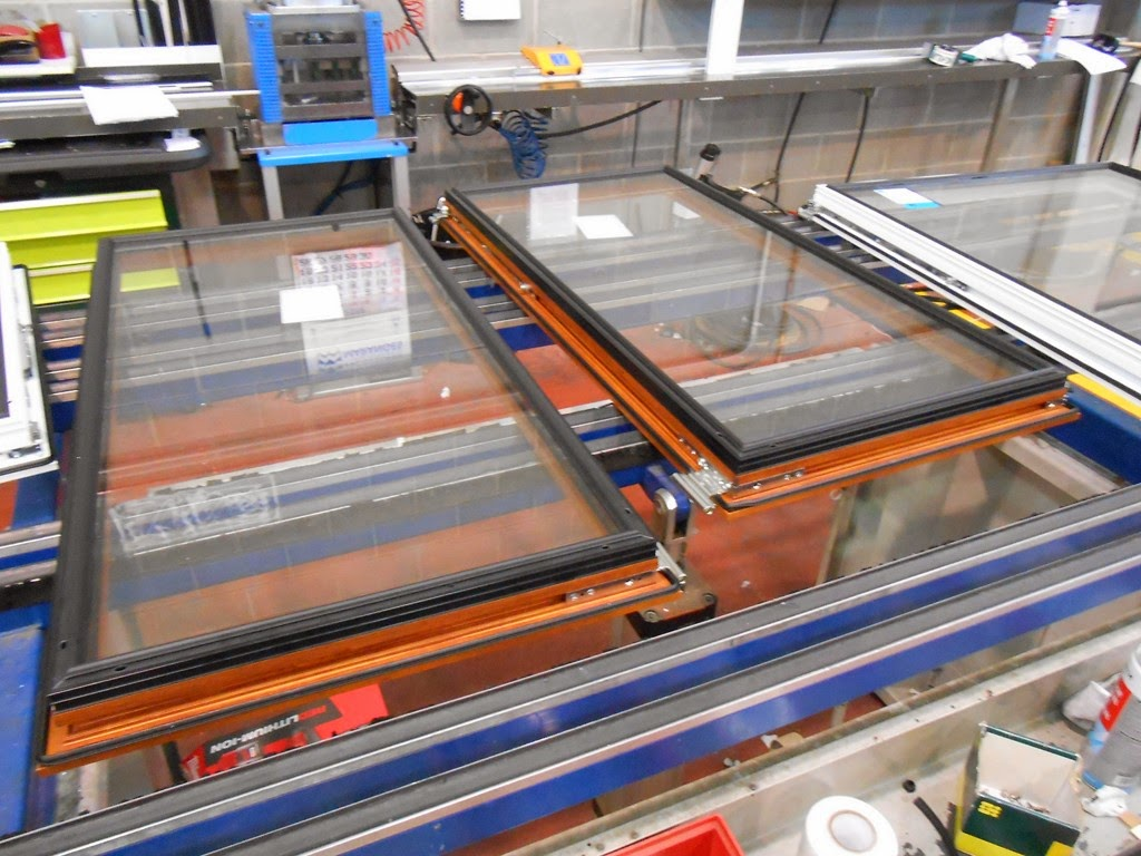 F brica de carpinter a de aluminio en madrid fabricante - Fabrica de puertas en madrid ...