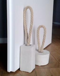 Cara Gampang Membuat Ganjal Pintu Keren dari Tali tampar dan Semen