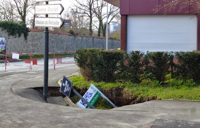 Le trottoir qui s'est affaissé est situé juste à côté des locaux du Cercle Paul Bert à Cleunay - J. Gicquel / APEI / 20 Minutes
