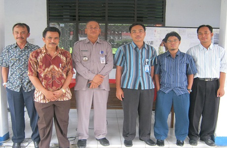 kegiatan ini melibatkan dosen dan mahasiswa terjun ke sekolah-sekolah disekitar Serang.