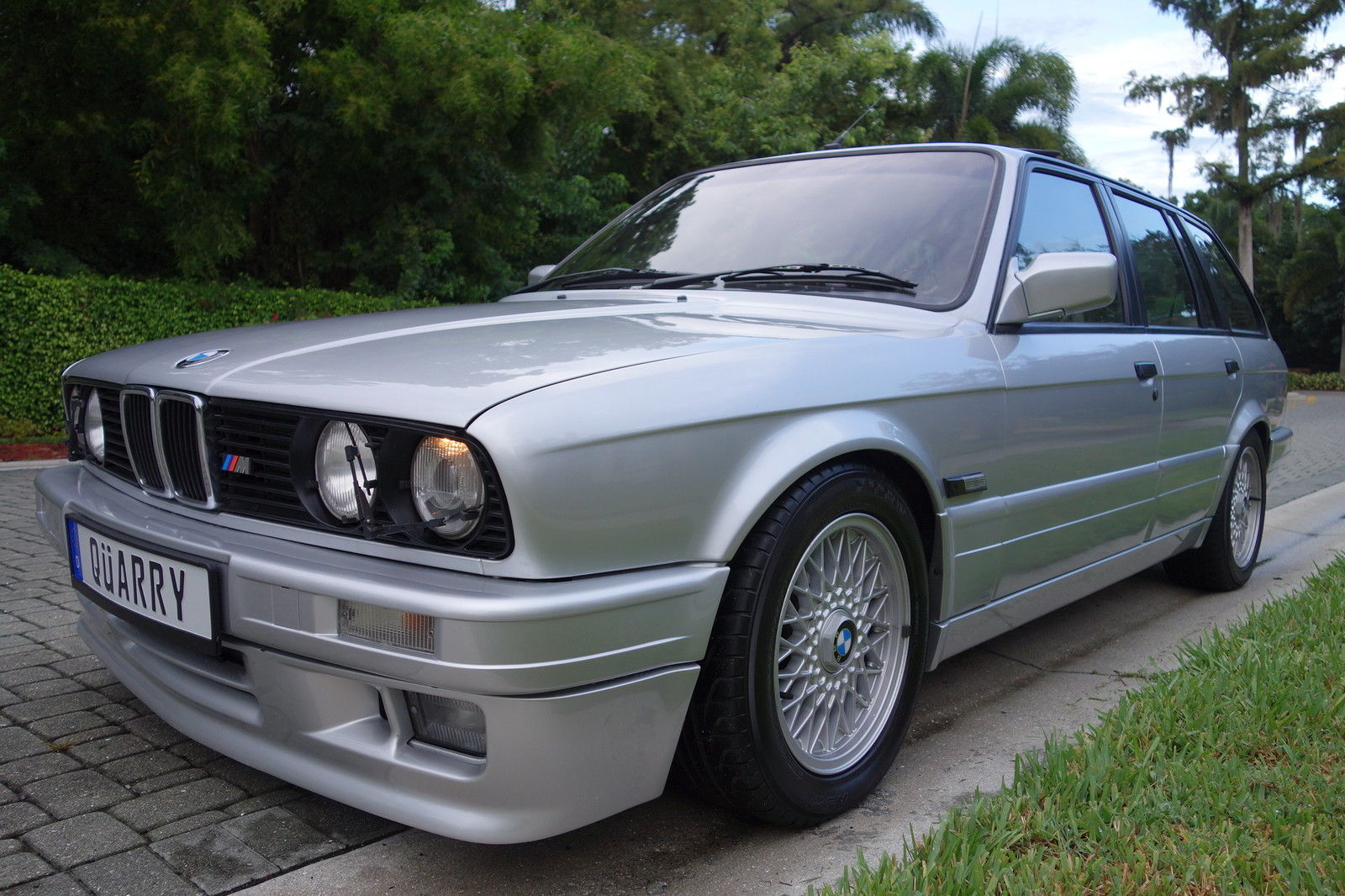 too bad this 1989 bmw 325i m tech touring from florida is rhd carscoops. Black Bedroom Furniture Sets. Home Design Ideas