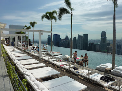 Infinity pool and marina bay sands hotel in singapura tour guide - Singapore hotel piscina ...