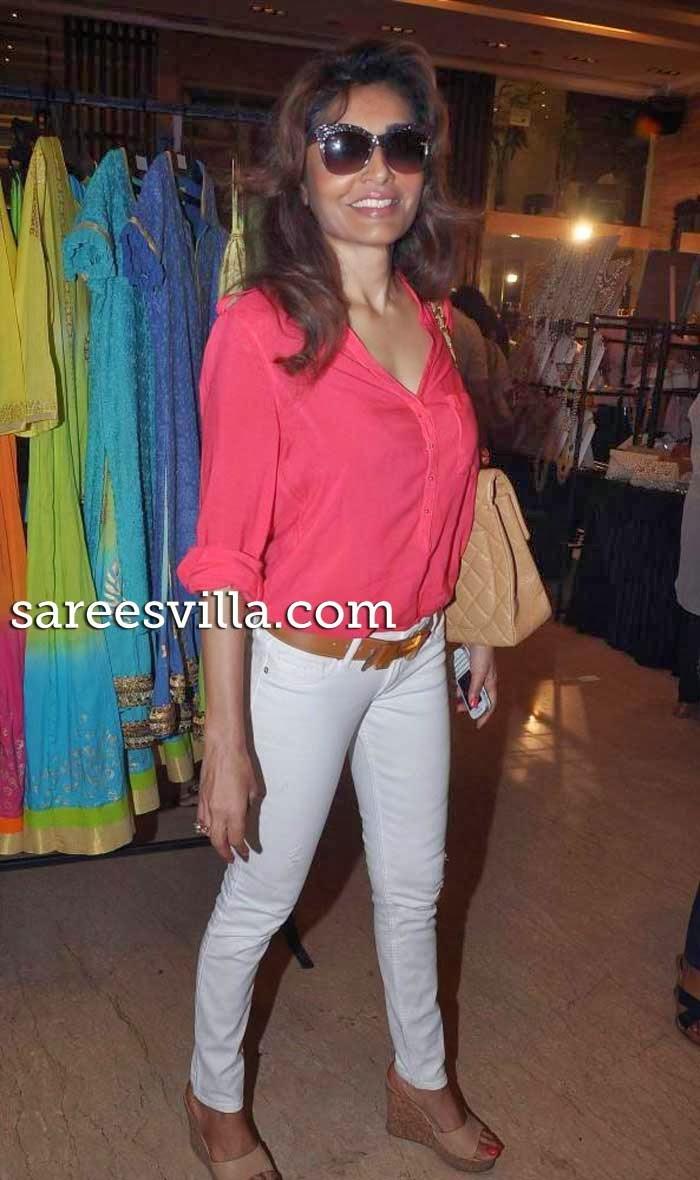 Queenie Singh at Mana Shettys Araaish exhibition