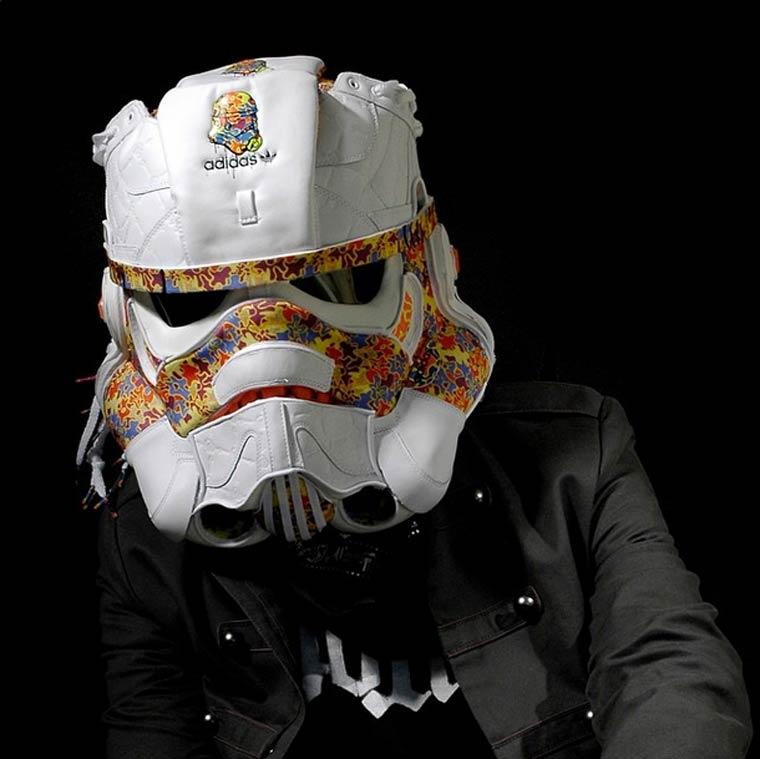Tênis Sneacker viram máscara de gás por Gary Lockwood