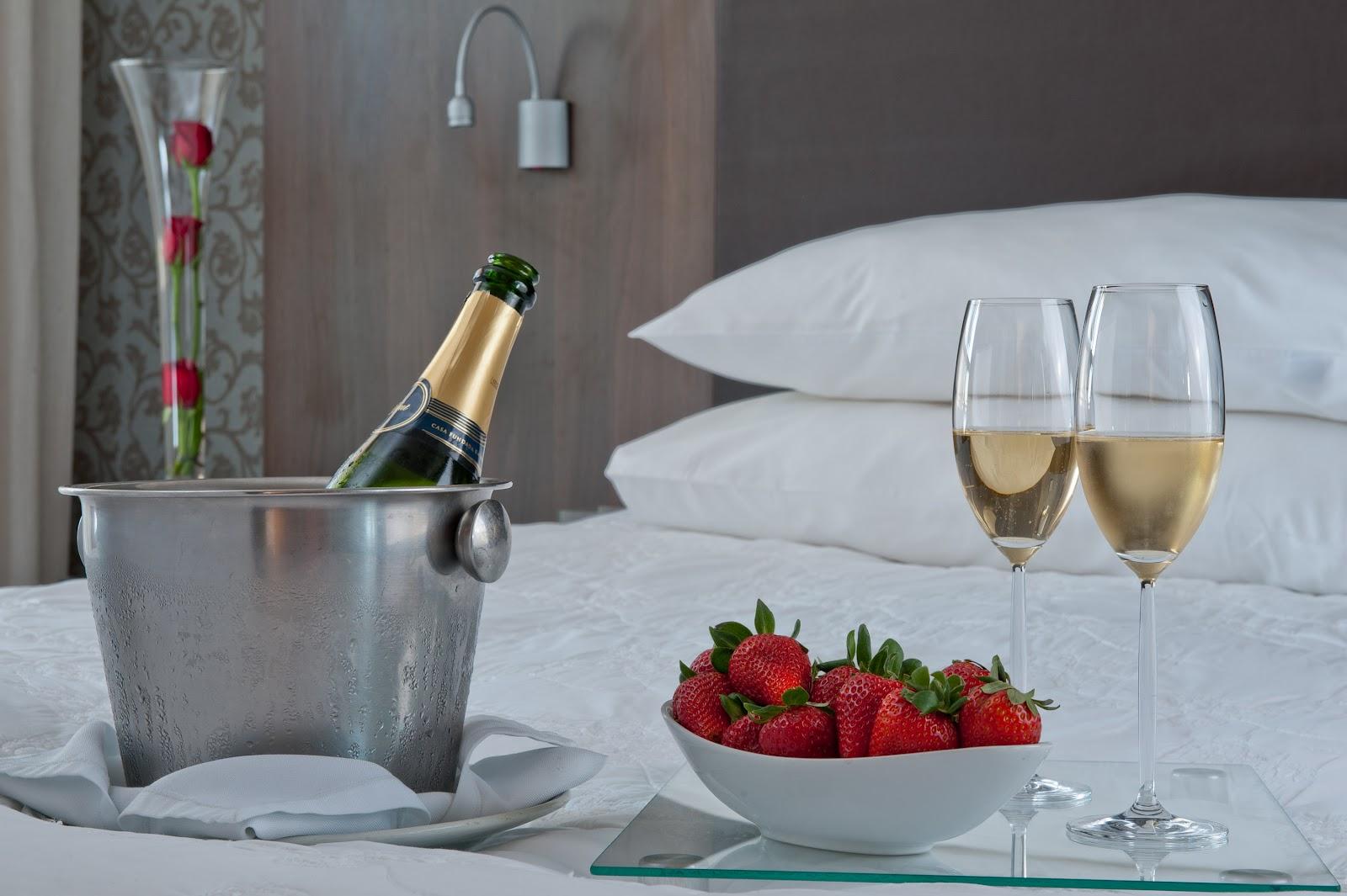 No Dia dos Namorados, momentos mais românticos no Hotel  ~ Surpresa Em Quarto De Hotel