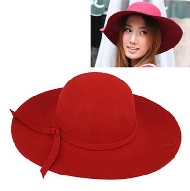 Topi aksesoris wanita