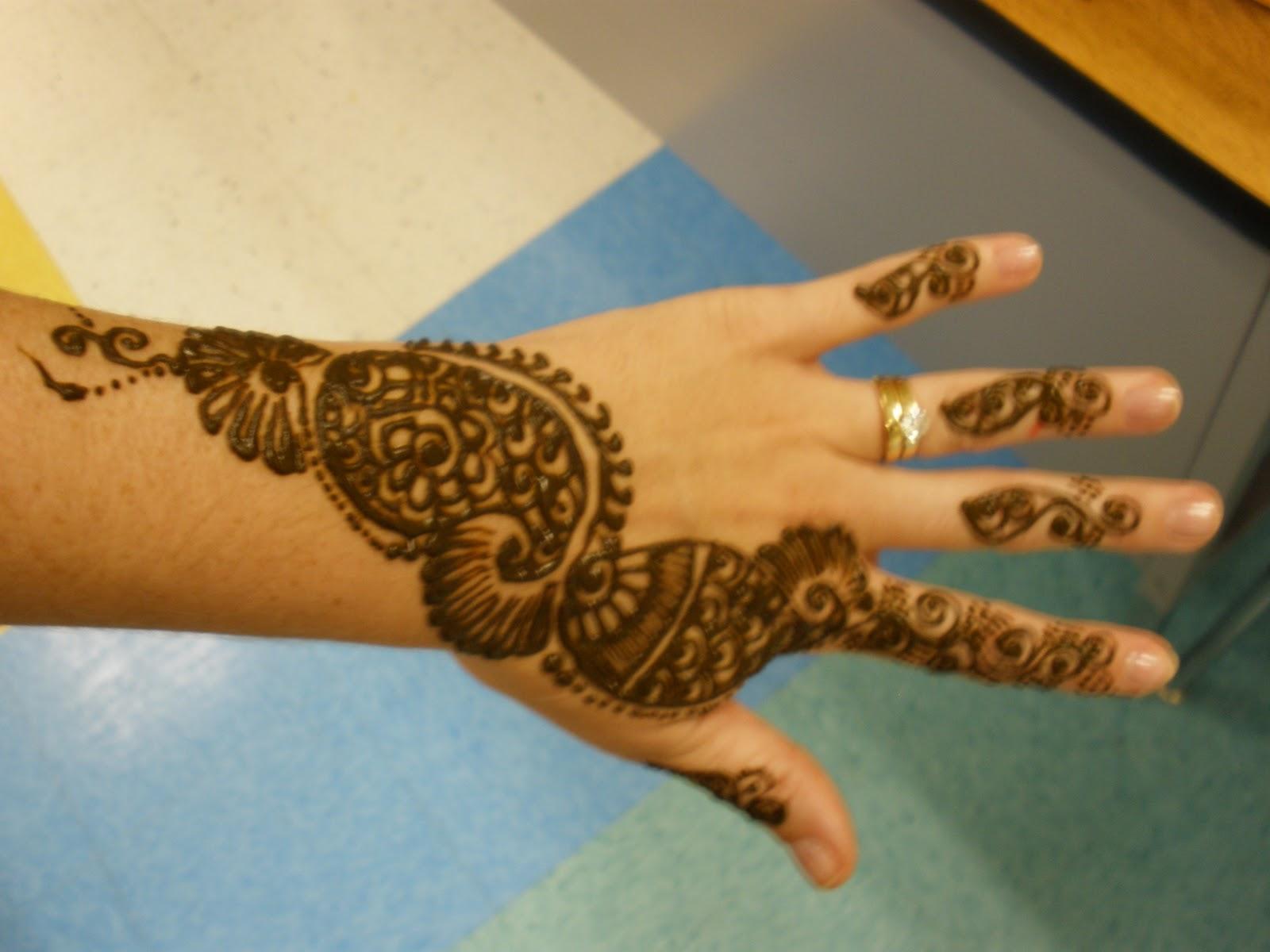 Apex Elementary Art Henna Artist Visits Art Room