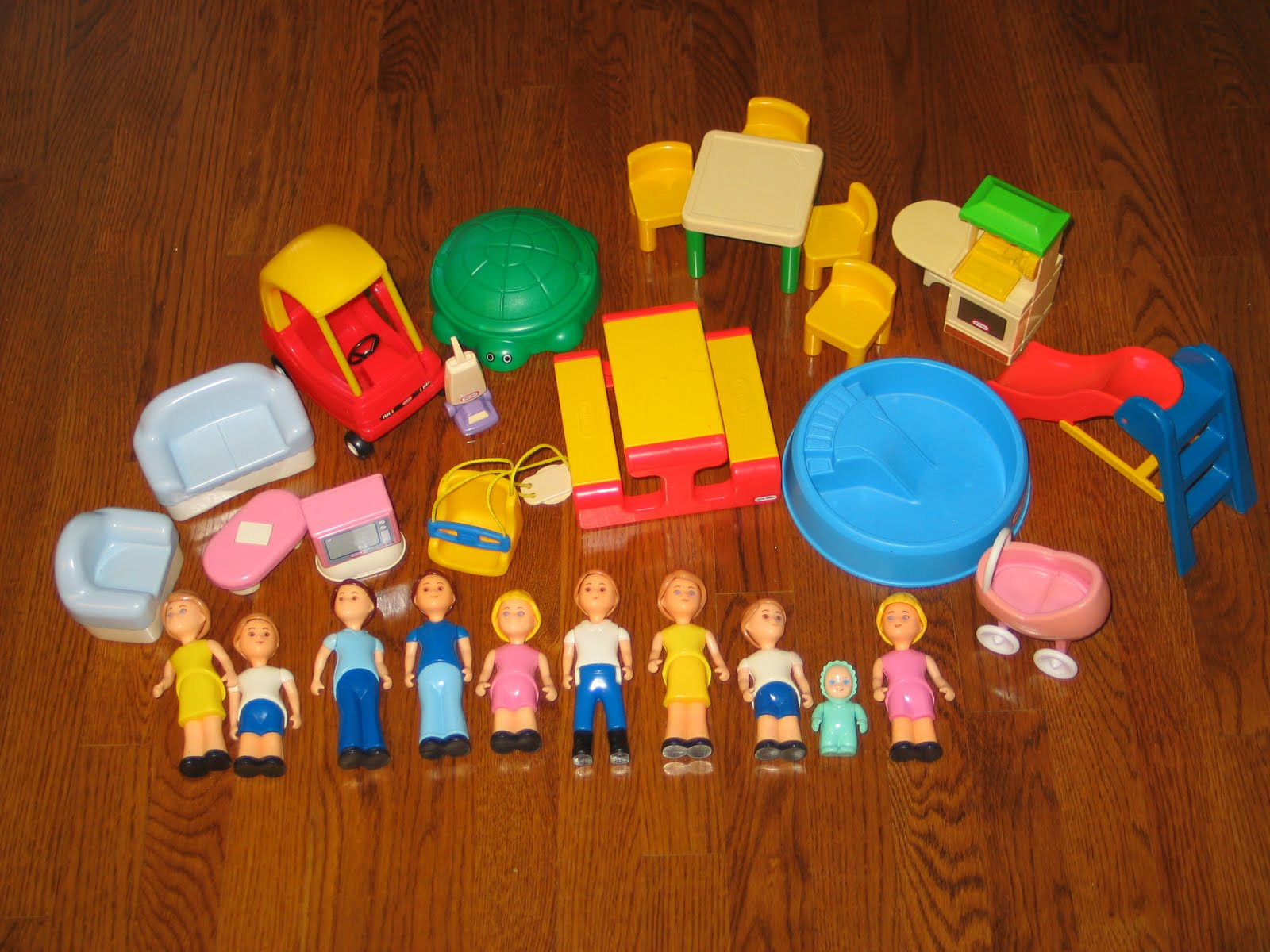 Lovely What To Sell Wednesday: Vintage Little Tikes Dollhouse Furniture