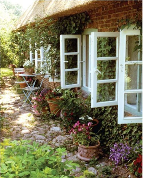 Pic nic in the garden un giardino da sogno for Outer look of house