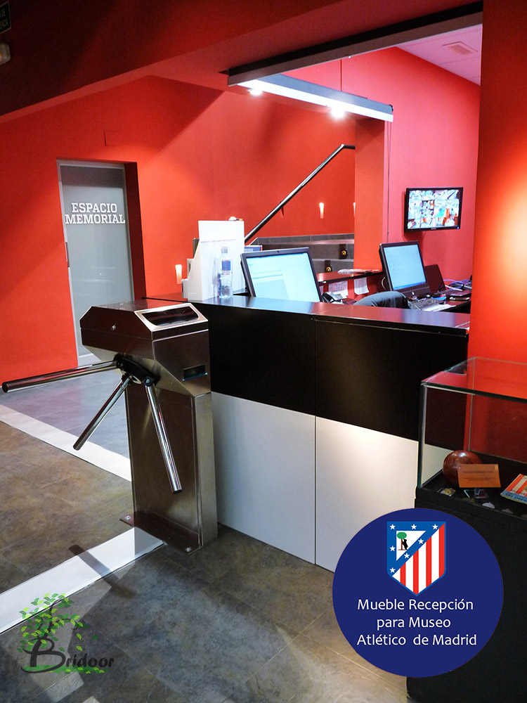 Bridoor s l mueble recepcion museo atletico de madrid for Mueble recepcion medidas