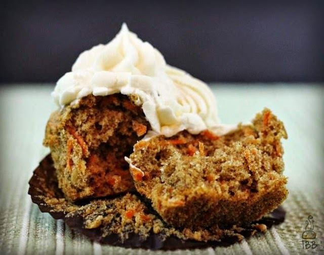 Spiced Carrot Cake Cupcakes with Cream Cheese Frosting @ True Blue Baking