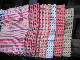 seis peças coloridas tecidos no tear manual
