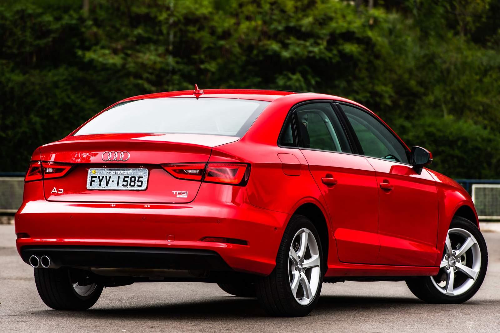 Audi A3 Sedan 1.4 Flex Ambiente 2016 - Vermelho
