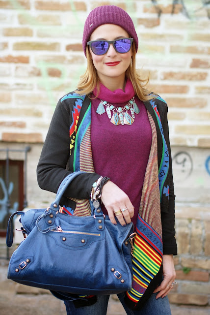 aztec print colorful cardigan, cichic multicolored cardigan, burgundy beanie, Oakley sunglasses, Fashion and Cookies, fashion blogger
