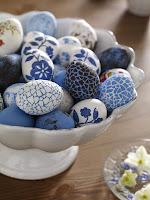 Великденски яйца в синьо - дантелени и на цветя