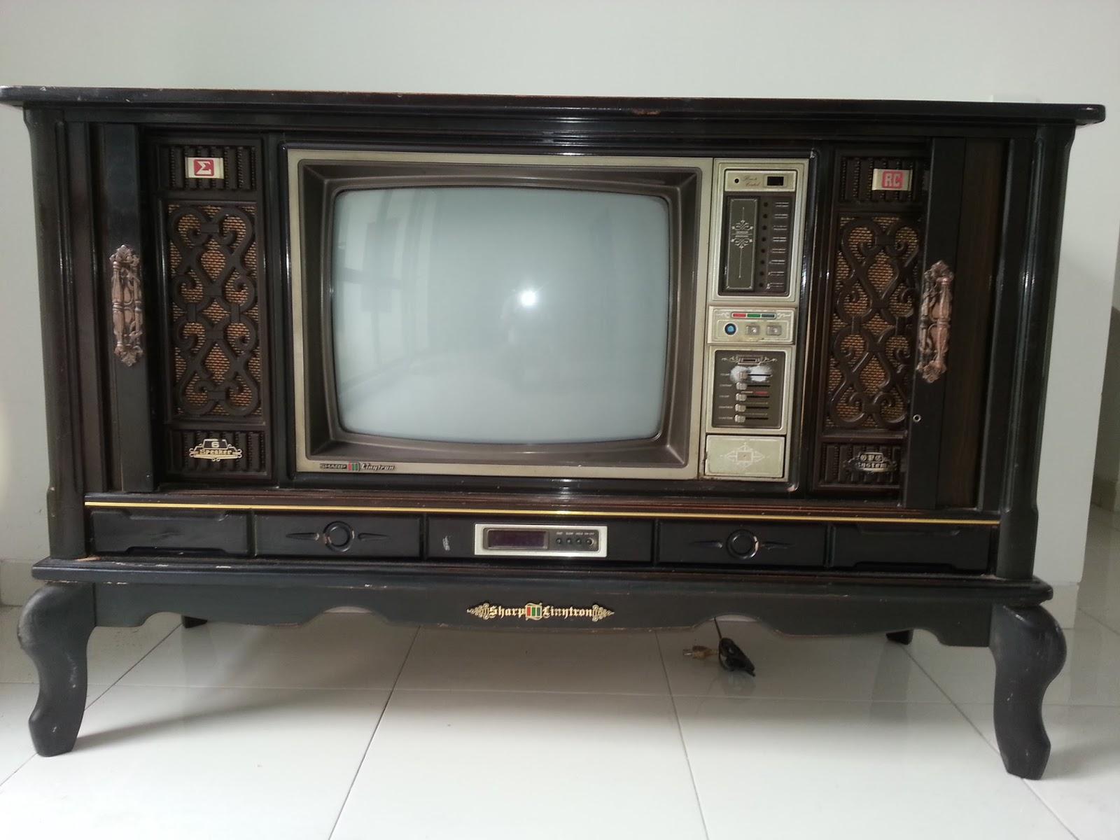 Omah Antique Tempat Jual Dan Beli Barang Antik Dan Lawas Televisi