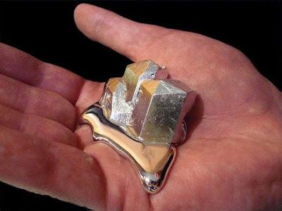 هل تعرف ان معدن الغاليوم Gallium Metal إذا لمسته ينصهر