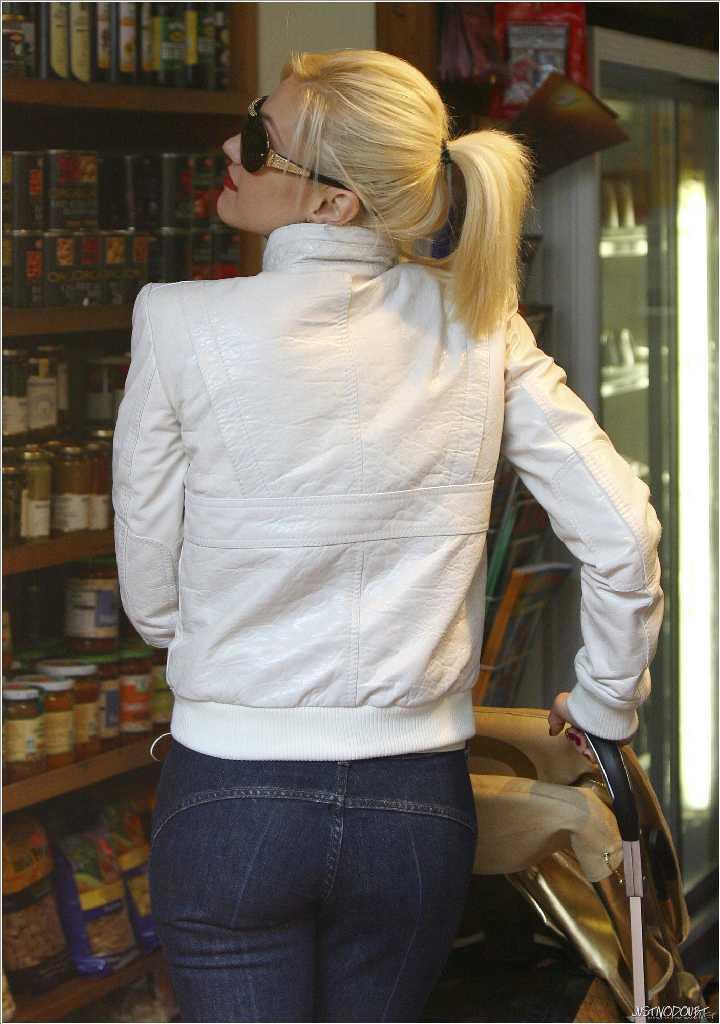 Gwen stefanis ass picture