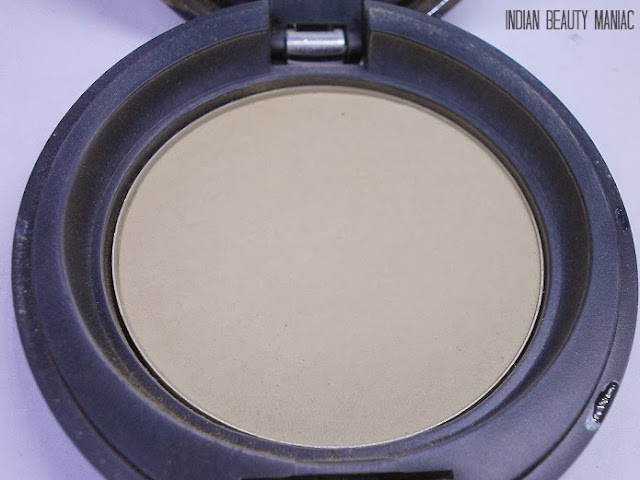Body Shop All in One Face Base Double foundation in shade 04 review swatch