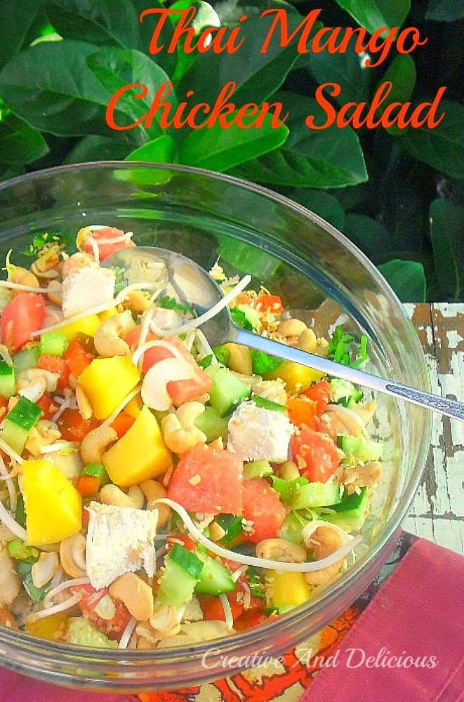 Thai Mango Chicken Salad ~ Filling, delicious and refreshing Chicken Salad ! #ChickenSalad #Salad #SpringSalad #FruitySalad