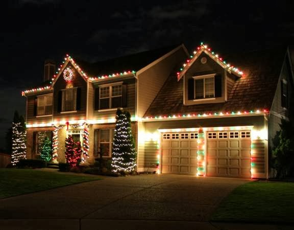 DFW Best Roofing: DFW Christmas Light Co. Holiday Light Decorations