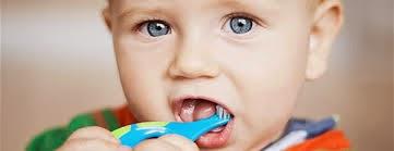 Revolusi Ilmiah - Anak menyikat gigi sendiri