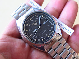 SEIKO 5 BLACK TEXTURE DIAL PART E - AUTOMATIC